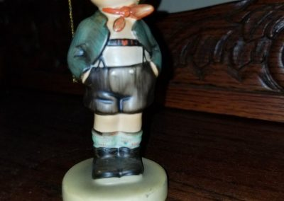 M. I. Hummel Little Boy Brother Dorfheld Figurine Singing