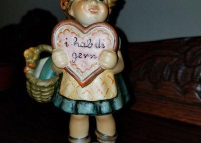 Valentine Gift Goebel Hummel Figurine #387  Girl With Wine And Heart